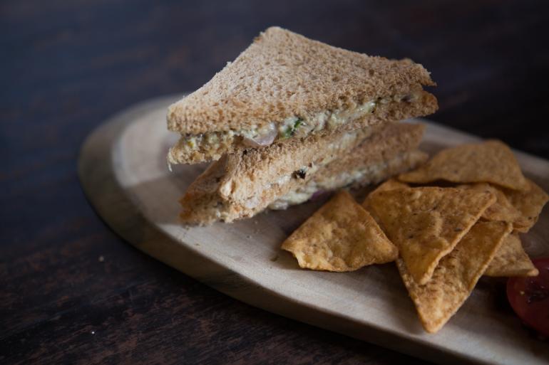 tuna-sandwhich